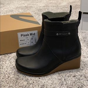 Tretorn Plask Mid Rubber rain boots black 7